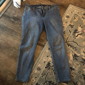 Buffalo Aubrey midrise soft stretch ankle jeans 10